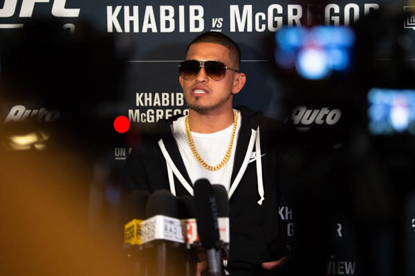 LAS VEGAS, NEVADA - OCTOBER 02:  Anthony Pettis interacts with media during the UFC 229 Media Availability at the UFC Performance Institute on October 2, 2018 in Las Vegas, Nevada. (Photo by Chris Unger/Zuffa LLC via Getty Images)