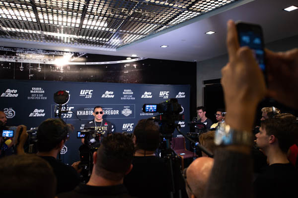 LAS VEGAS, NEVADA - OCTOBER 02:  Tony Ferguson interacts with media during the UFC 229 Media Availability at the UFC Performance Institute on October 2, 2018 in Las Vegas, Nevada. (Photo by Chris Unger/Zuffa LLC via Getty Images)