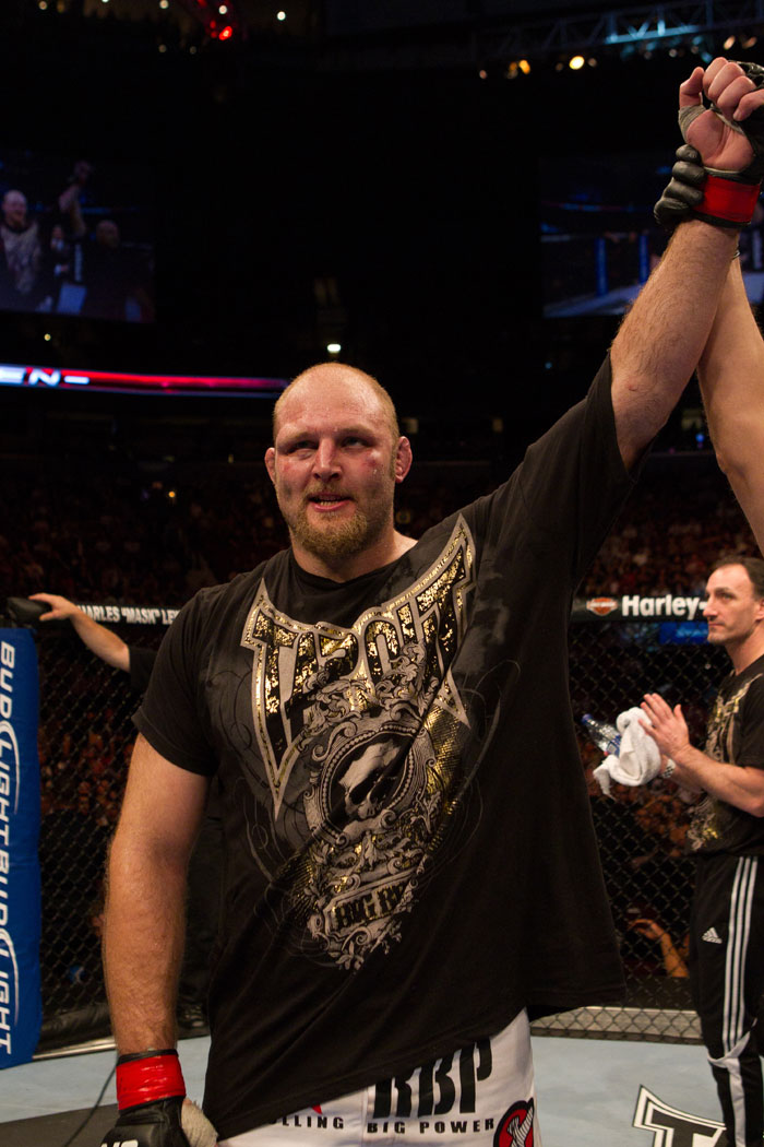 Ben Rothwell wins by unanimous decision