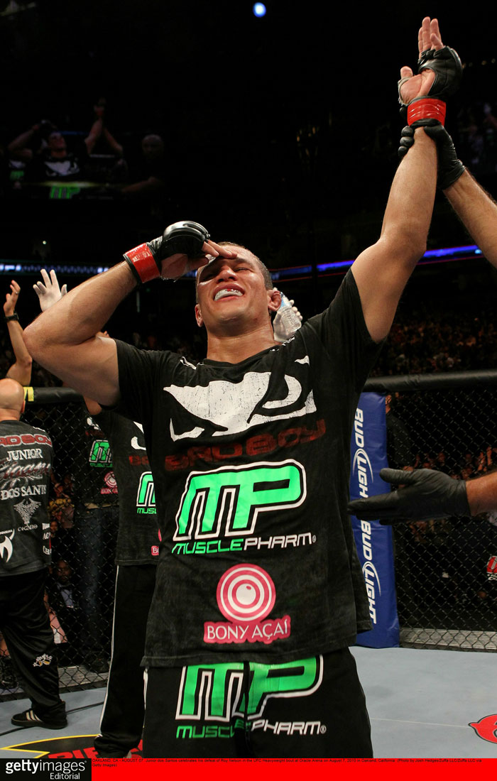 Junior dos Santos - winner