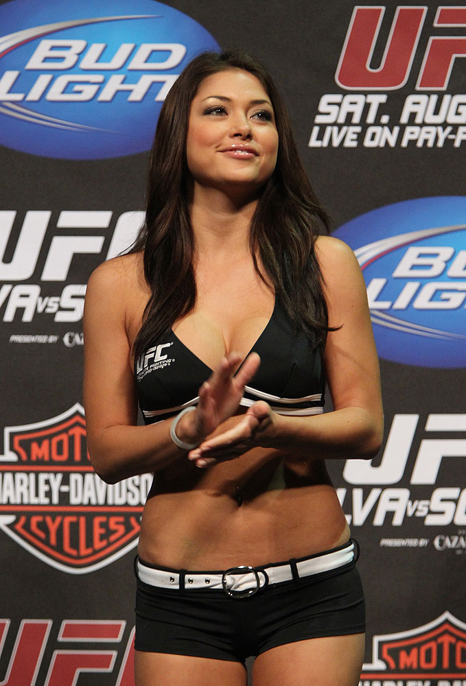 Arianny UFC117 Weigh-ins