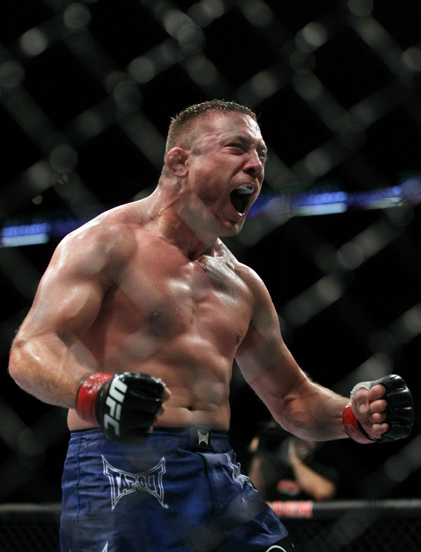 UFC118 Pierce celebrates