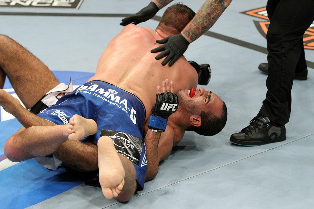 UFC118 Pierce vs. Alves