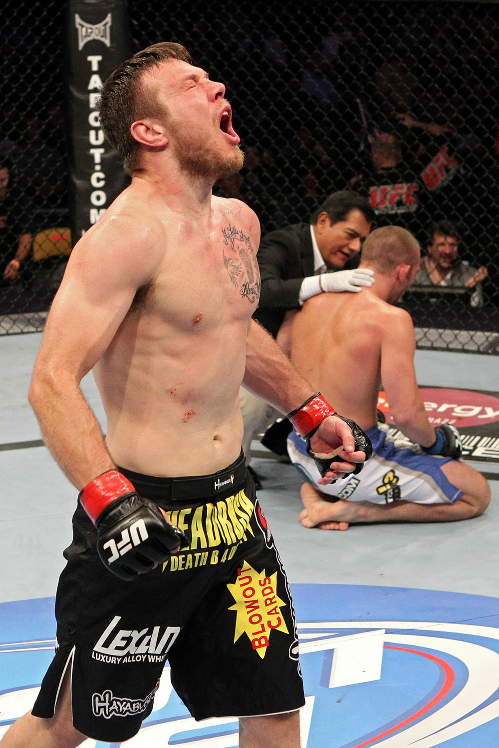 UFC 118 Miller Celebrates
