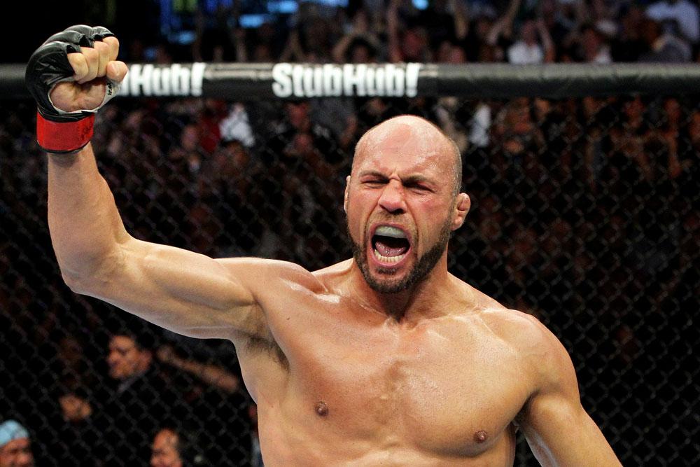 UFC 118 Couture celebrates
