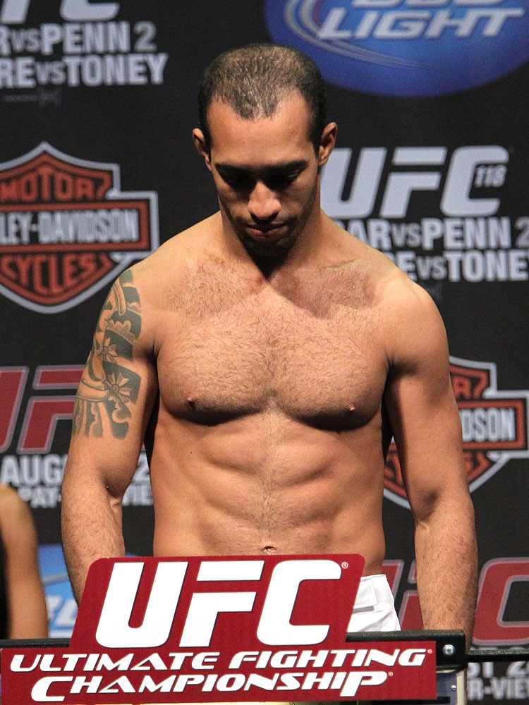 UFC118 weigh-ins Alves