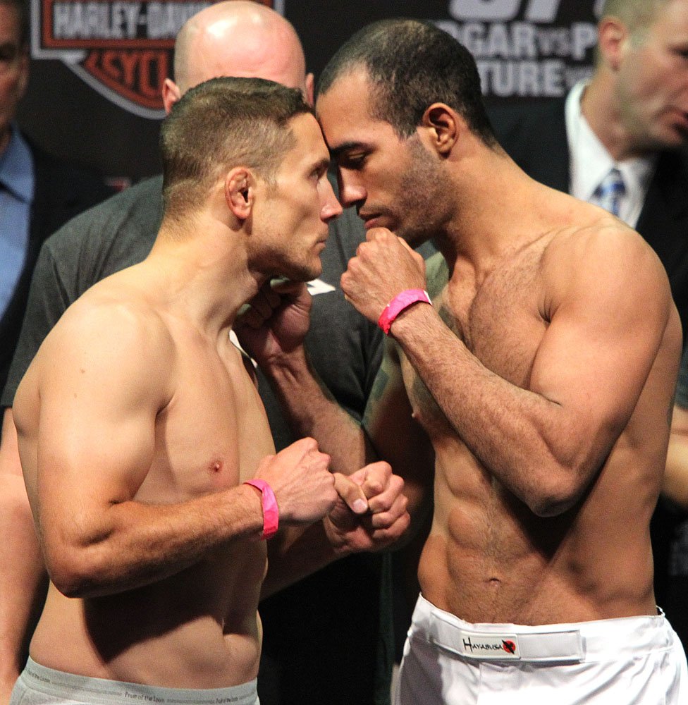 UFC118 weigh-ins Pierce vs. Alves