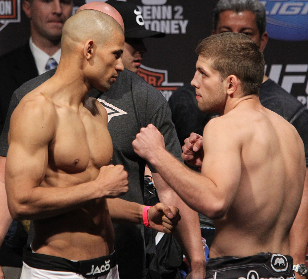 UFC118 Weigh-ins Winner vs. Lentz