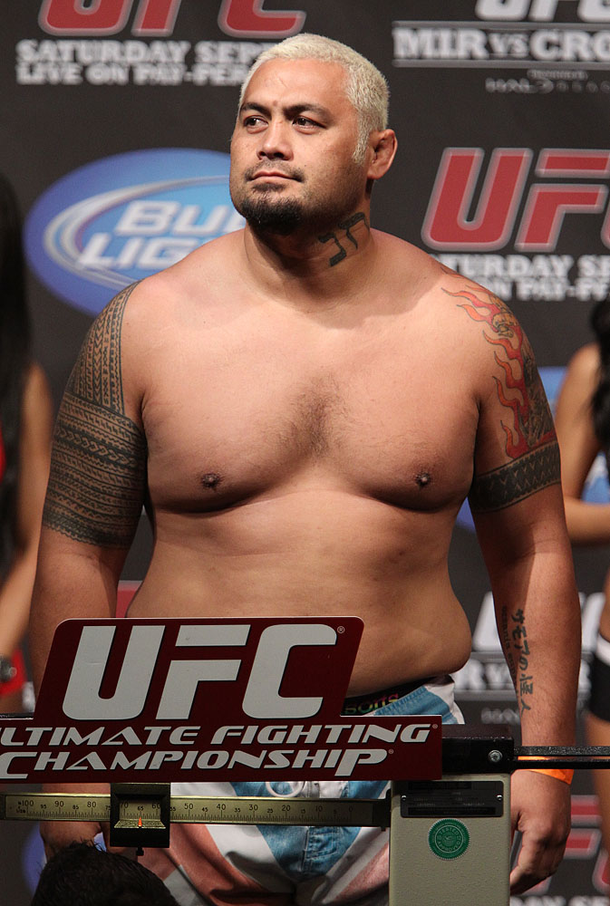 UFC 119 weigh ins: Mark Hunt