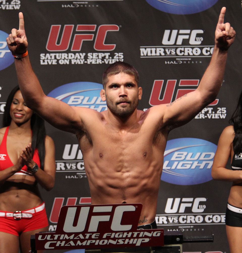 UFC 119 weigh ins: Jeremy Stephens