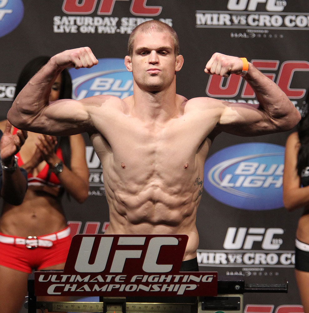 UFC 119 weigh ins: Evan Dunham