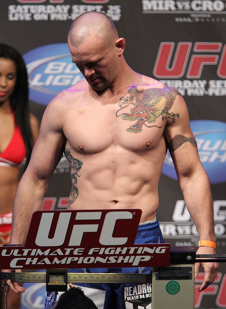 UFC 119 weigh ins: Chris Lytle