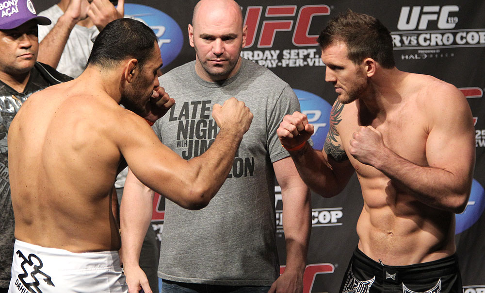 UFC 119 weigh ins: Nogueira vs. Bader