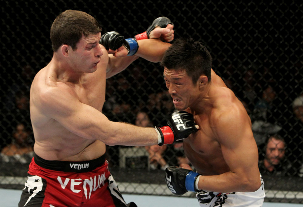 UFC 120: Bisping(L) vs. Akiyama(R)