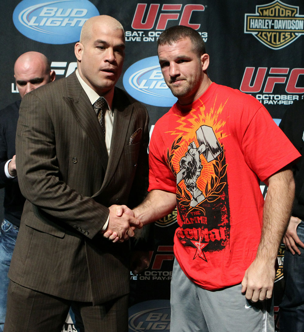 (L-R) Light Heavyweight opponents Tito Ortiz and Matt Hamill at the UFC 121 pre-fight press conference at the Walt Disney Concert Hall on October, 20 2010 in Los Angeles, California.