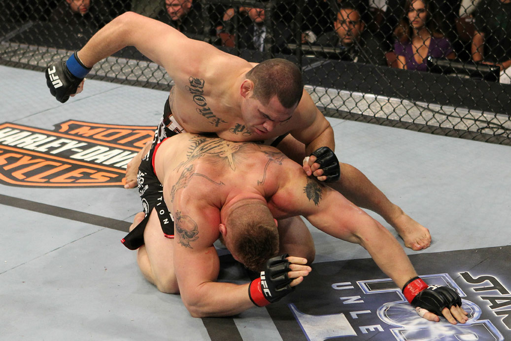Cain Velasquez vs Brock Lesnar
