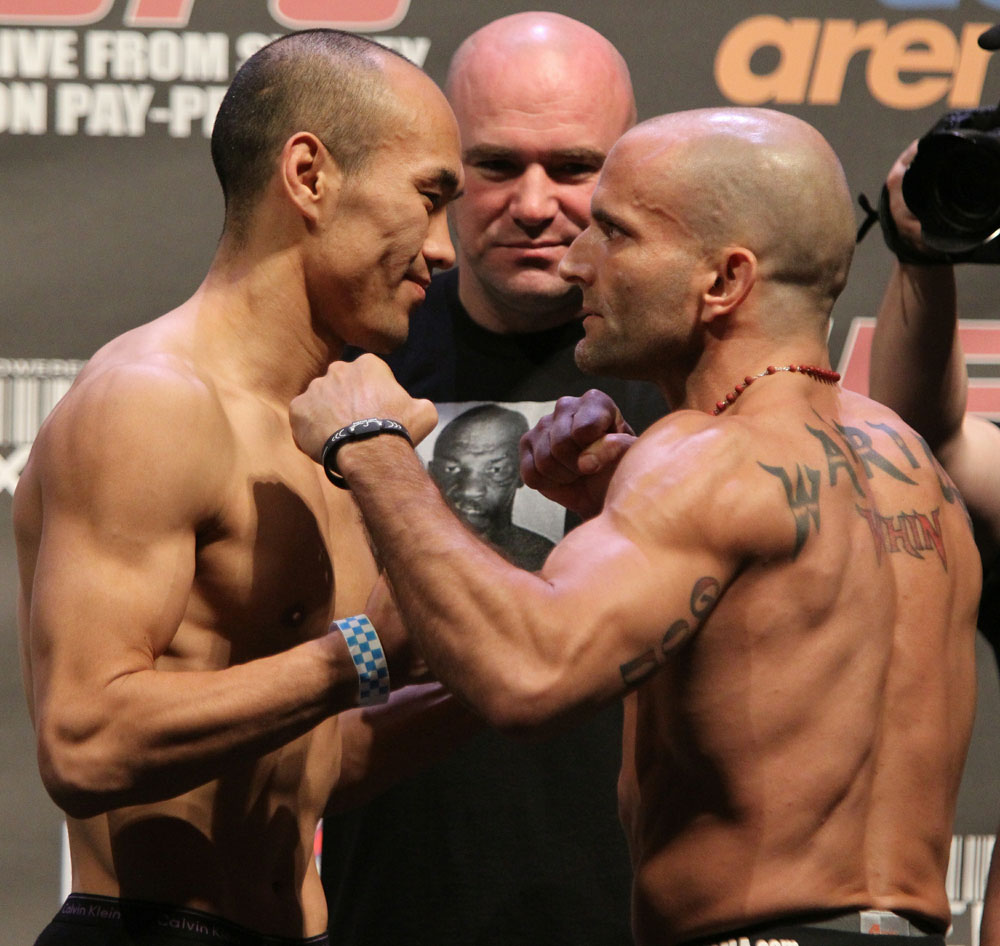 UFC 127 Weigh-in: Zhang vs. Reinhardt