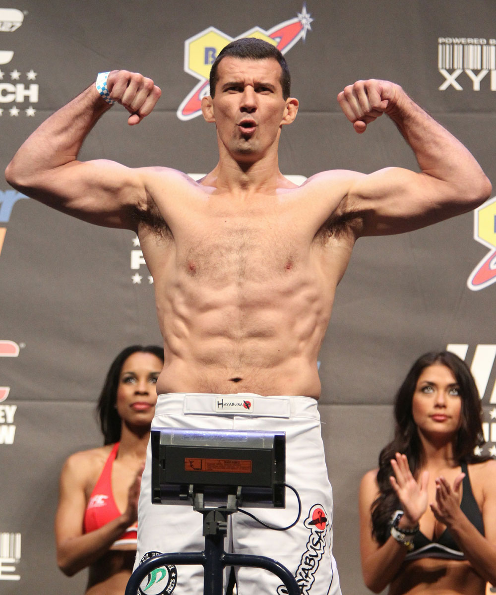 UFC 127 Weigh-in: Anthony Perosh