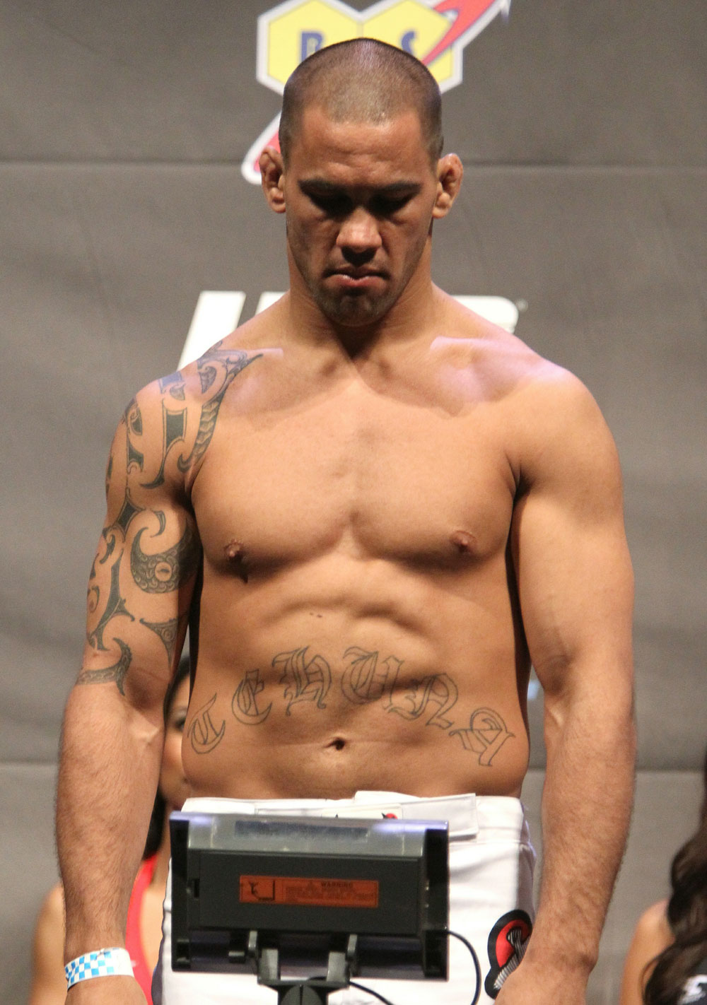 UFC 127 Weigh-in: James Te Huna
