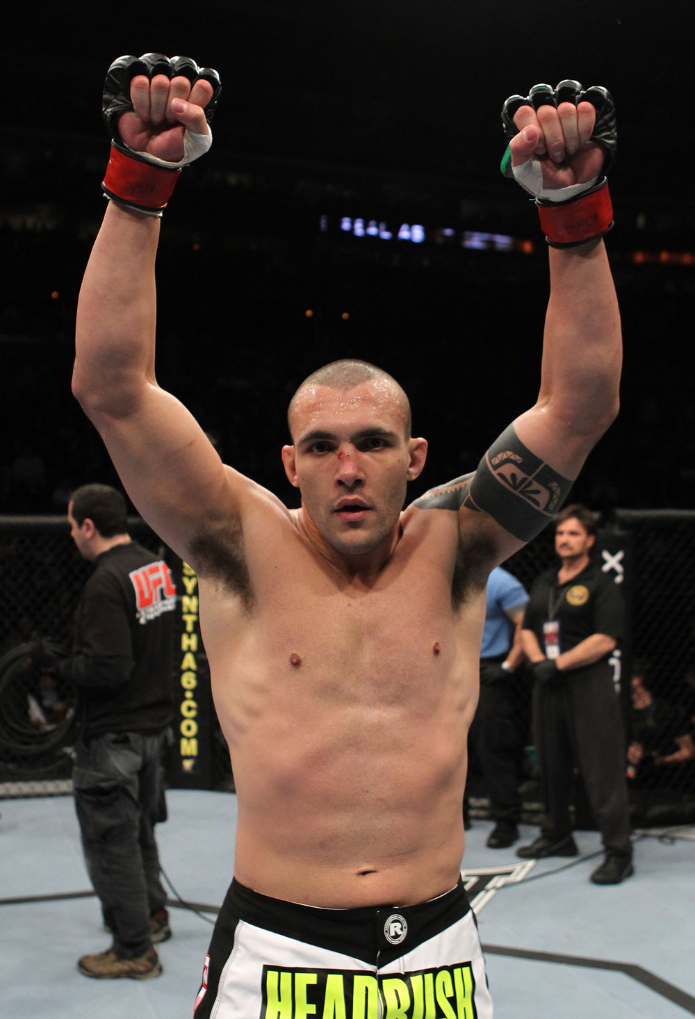 UFC 128: Luiz Cane celebrates his win