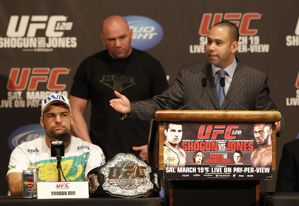 UFC 128: Pre-Fight Press Conference (L-R): Shogun Rua, Dana White