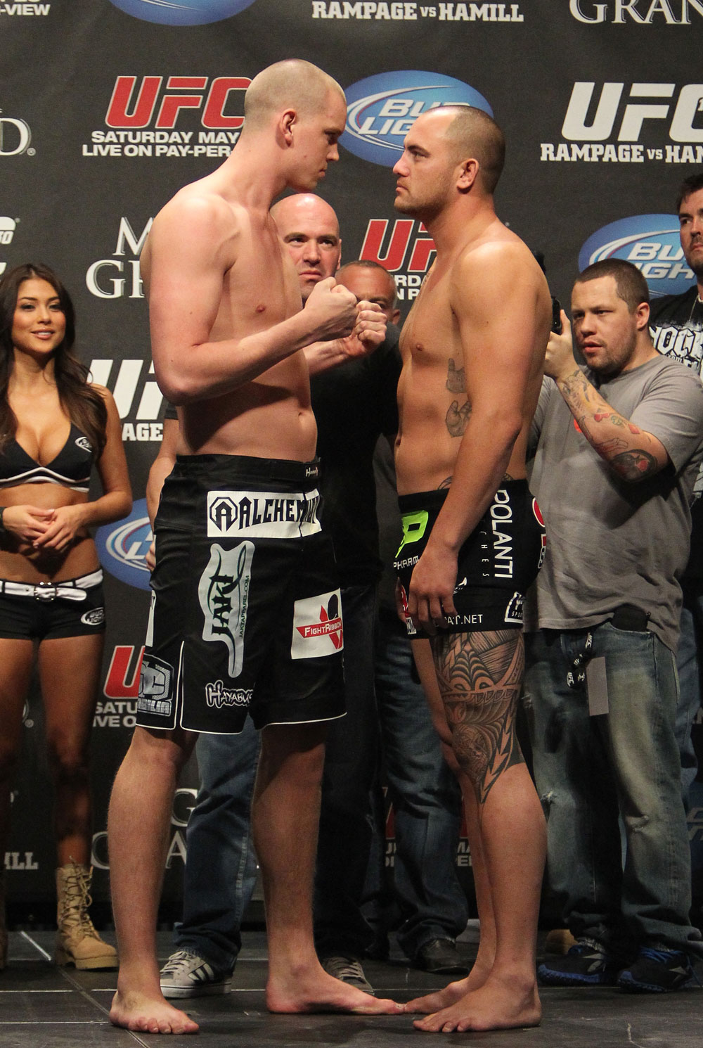 UFC 130 Weigh-ins: Stefan Struve vs. Travis Brown