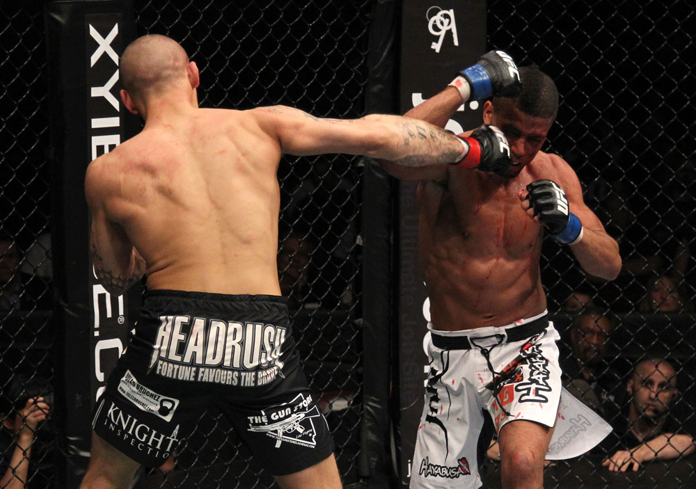 Dustin Poirier vs Jason Young