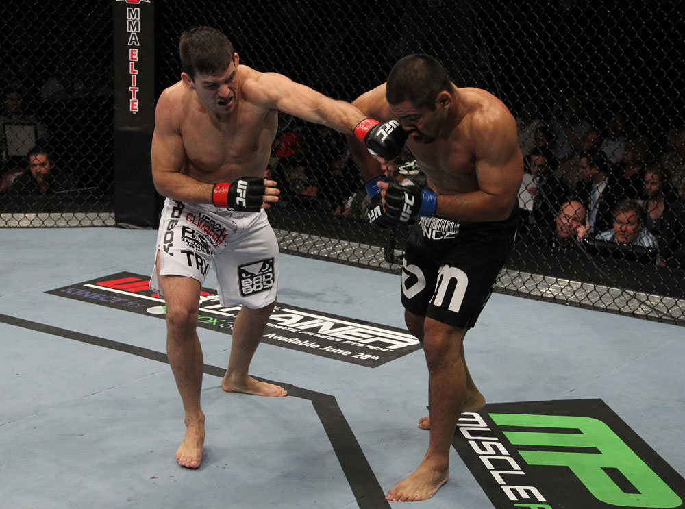 Mark Munoz vs Demian Maia