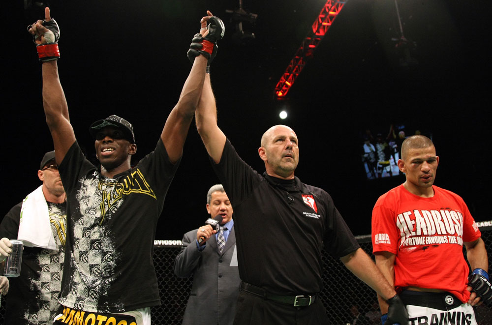 Anthony Njokuani celebrates his win by unanimous decision over Andre Winner.