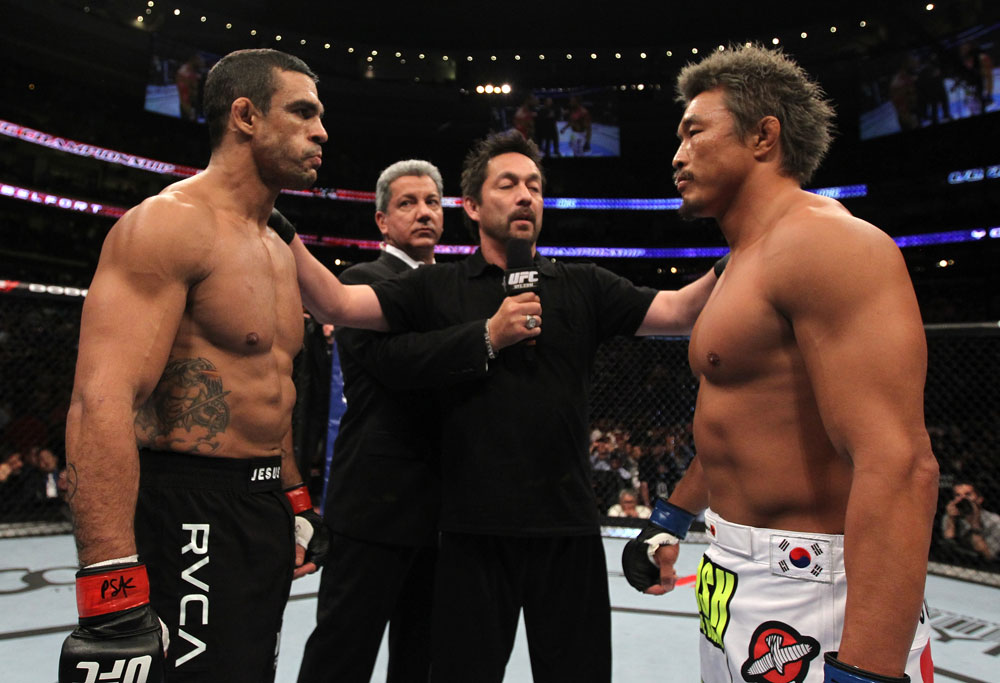 UFC 133: Belfort vs. Akiyama
