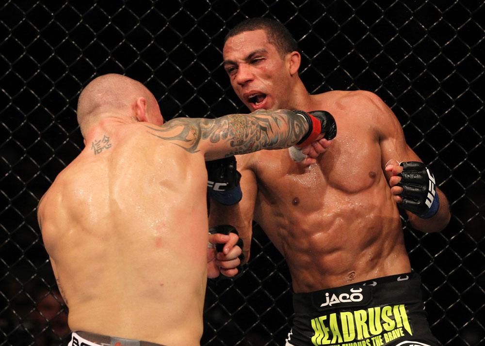 Edson Barboza vs Ross Pearson