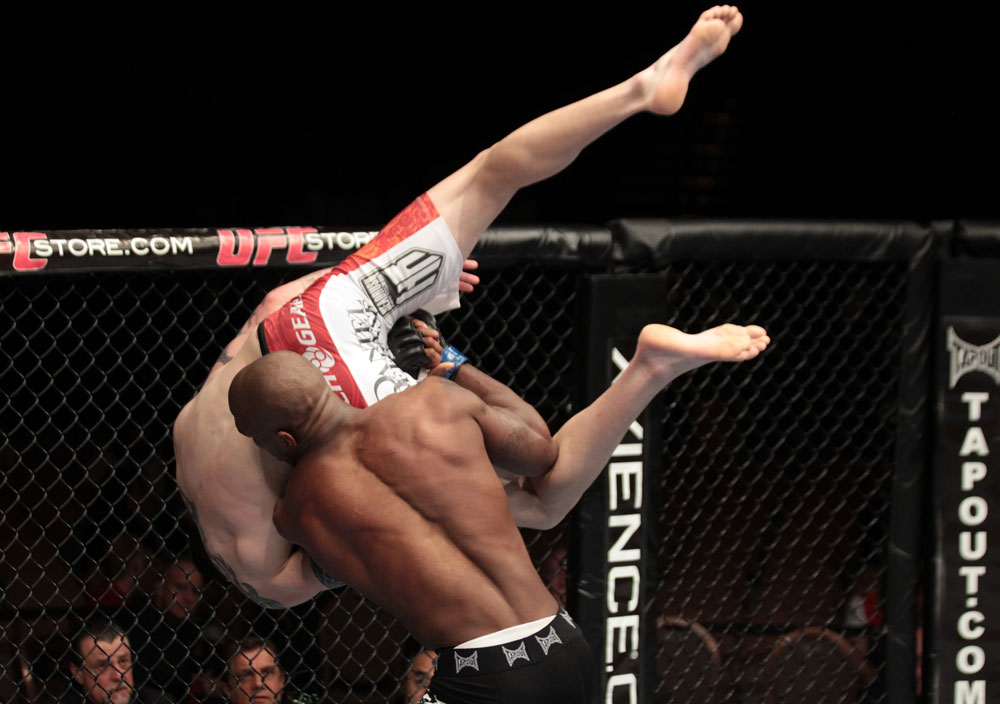 Chris Camozzi vs Francis Carmont