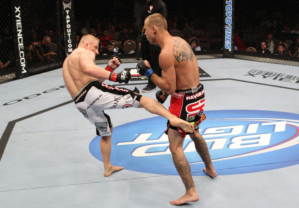 Dennis Siver vs Donald Cerrone