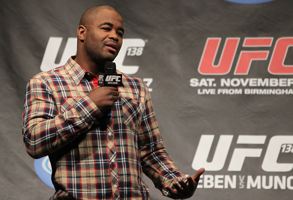 Rashad Evans speaks at the UFC 138 Q&amp;A