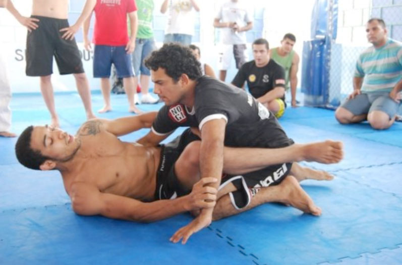 Jose Aldo training jiu-jitsu with Marcio Pontes in Manaus (Photo credit: Marcio Pontes Facebook)