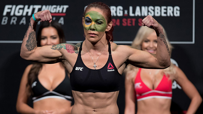 BRASILIA, BRAZIL - SEPTEMBER 23: Cris Cyborg of Brazil steps on the scale during the UFC Fight Night weigh-in at Nilson Nelson gymnasium on September 23, 2016 in Brasilia, Brazil. (Photo by Buda Mendes/Zuffa LLC)