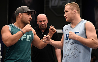 Eddie Alvarez and Justin Gaethje face off during the filming of The Ultimate Fighter: A New World Champion at the UFC TUF Gym on August 18, 2017 in Las Vegas, Nevada. (Photo by Brandon Magnus/Zuffa LLC)