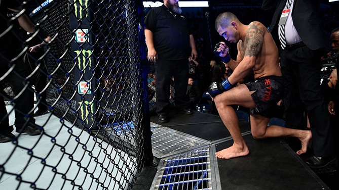 NORFOLK, VA - NOV. 11: <a href='../fighter/Anthony-Pettis'>Anthony Pettis</a> prepares to enter the Octagon prior to facing <a href='../fighter/Dustin-Poirier'>Dustin Poirier</a> in their lightweight bout during the <a href='../event/UFC-Silva-vs-Irvin'>UFC Fight Night </a>event inside the Ted Constant Convention Center. (Photo by Brandon Magnus/Zuffa LLC)
