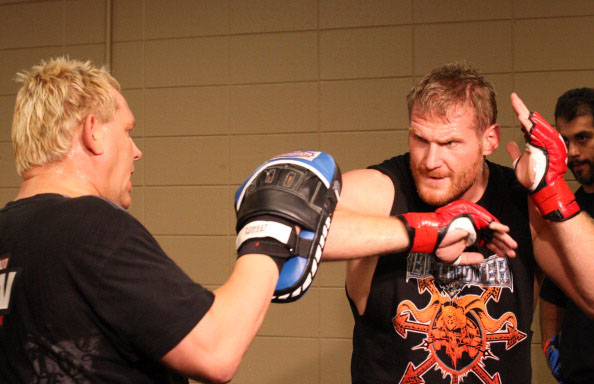 Barnett trains before a fight