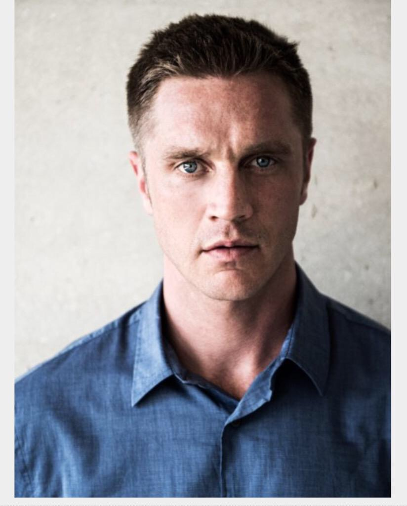 Talking Fights and the UFC with Devon Sawa