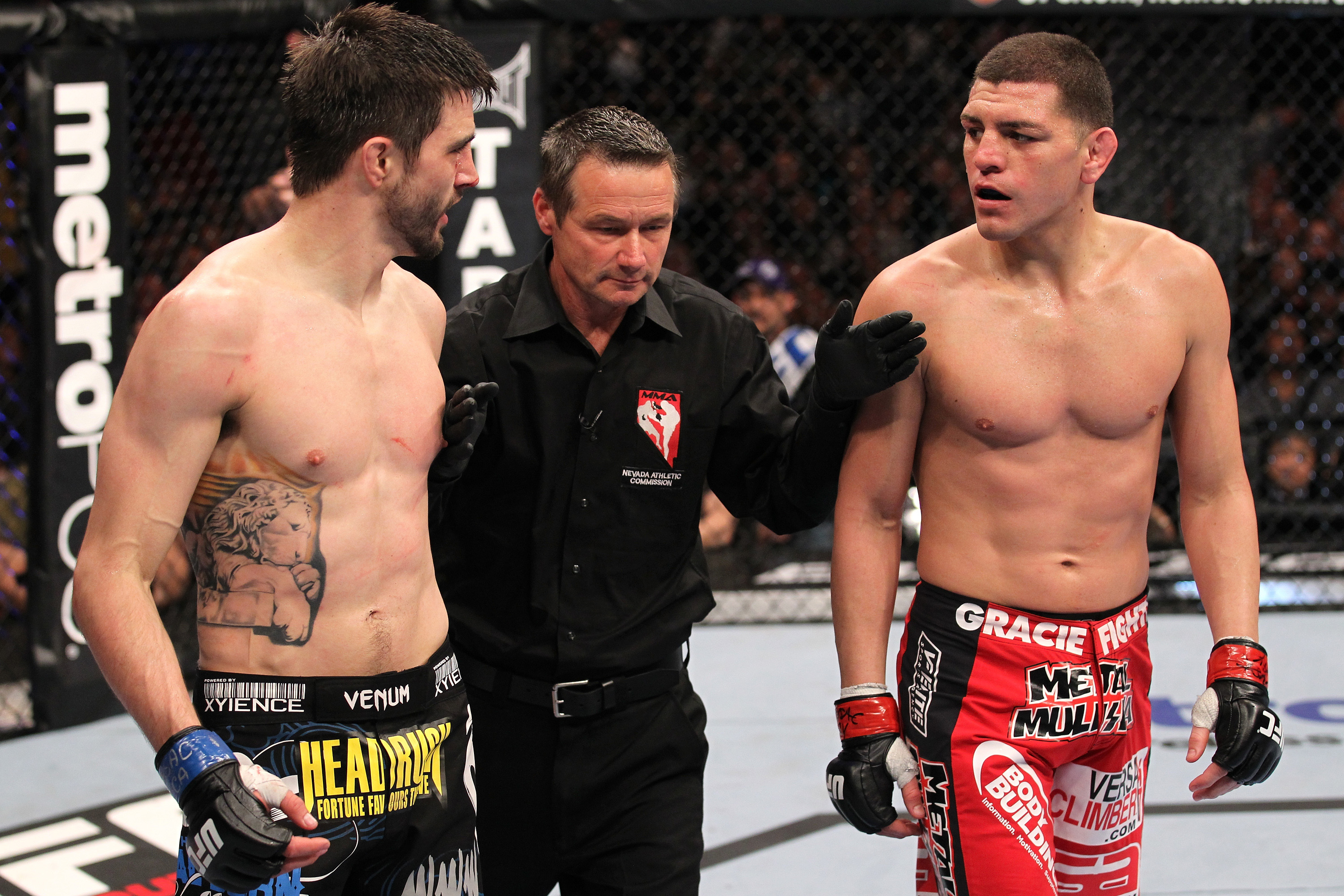 Diaz and Condit talk trash between rounds