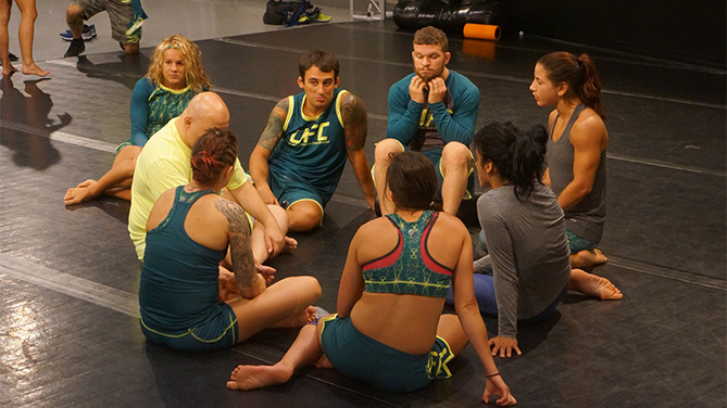 Dustin helps team Pettis members
