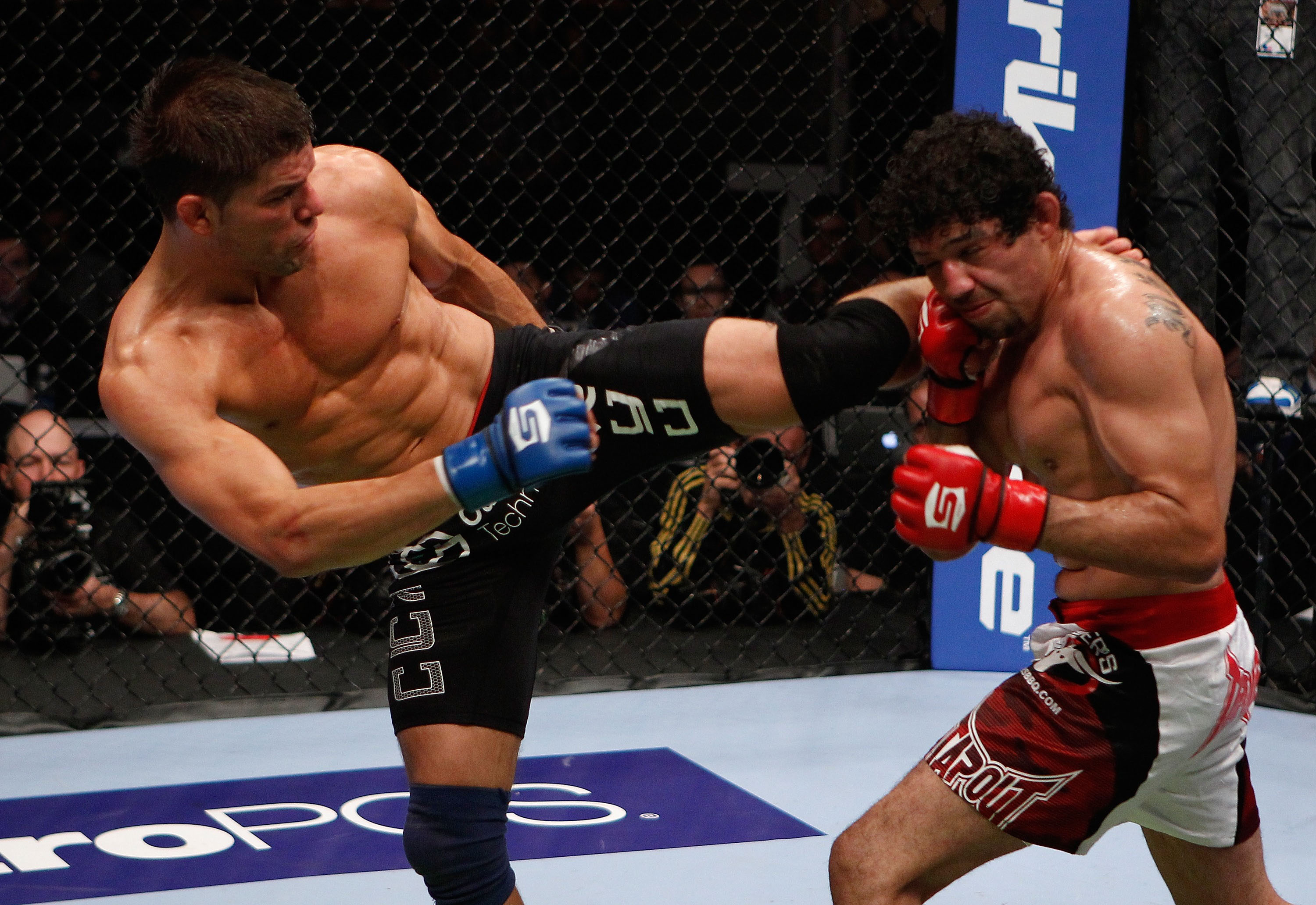 Thomson kicks Melendez
