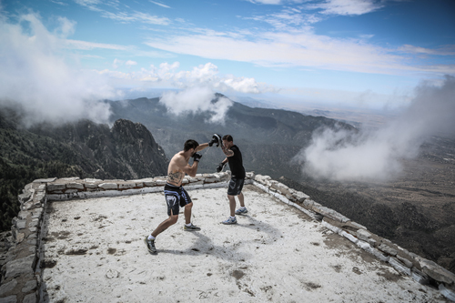 Carlos Condit and Brandon Gibson - photo Wilson Fox