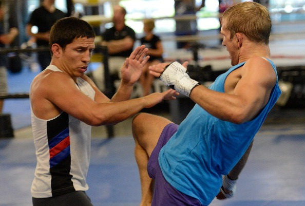 Benavidez trains with T.J. Dillashaw