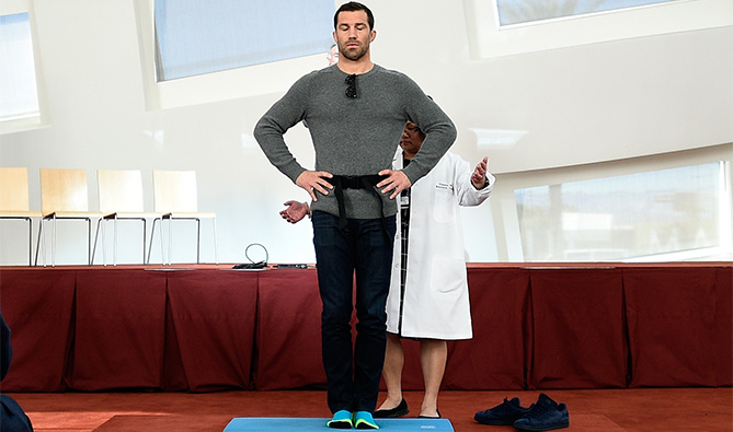 UFC middleweight champion Luke Rockhold performs physical tests as the UFC & Cleveland Clinic host a group of media to explain the Professional Fighters Brain Health Study at the Cleveland Clinic Lou Ruvo Center for Brain Health on February 5, 2016 in Las Vegas, Nevada. (Photo by Jeff Bottari/Zuffa LLC)