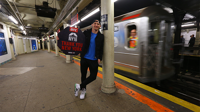Ryan LaFlare takes to the streets of NY to thank them (Photo credit: Mike Stobe/Getty Images)