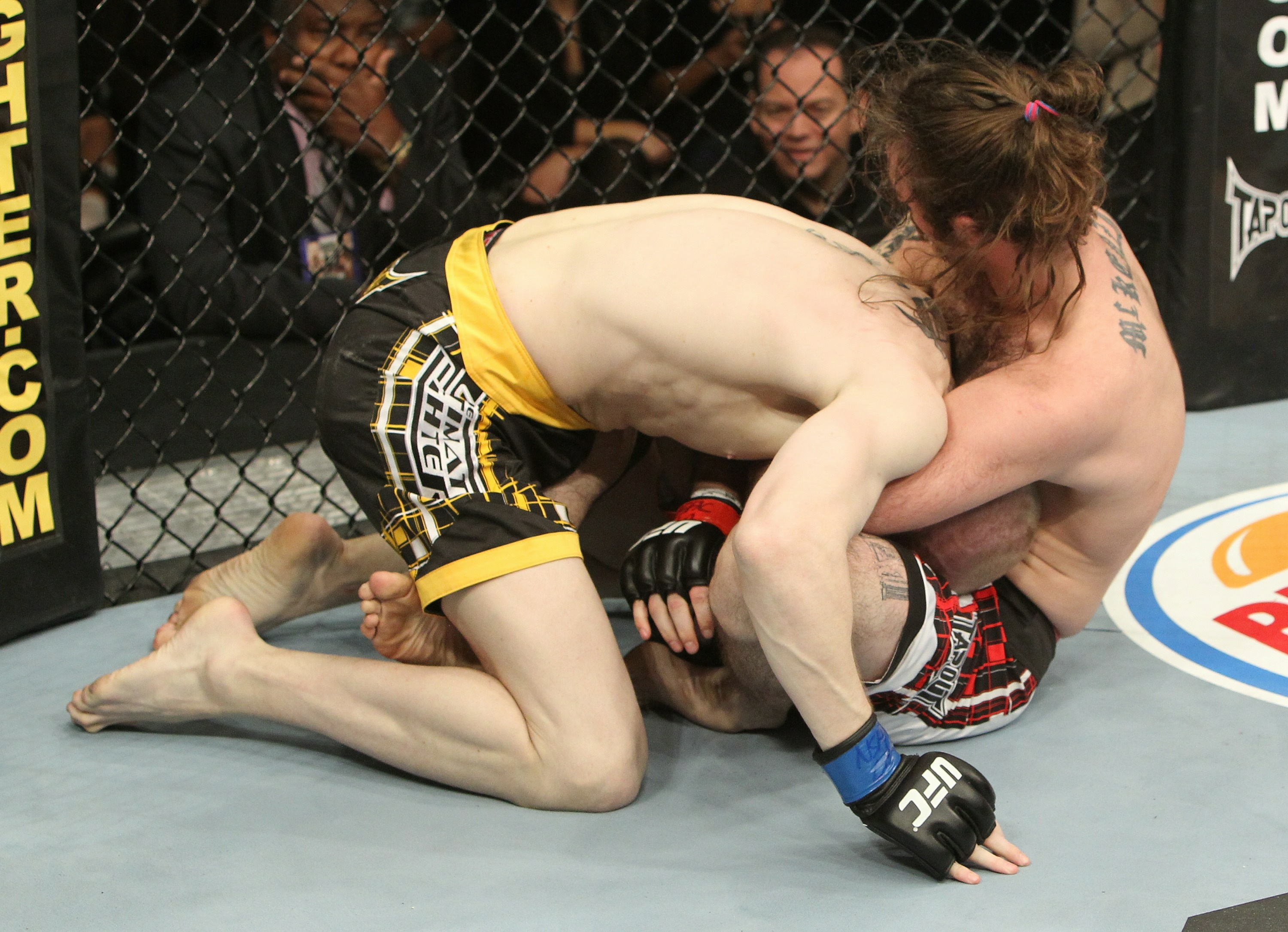 Cody McKenzie vs Aaron Wilkinson
