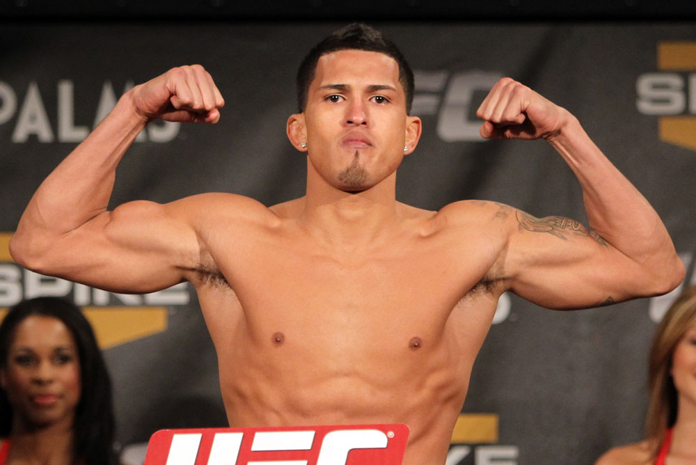 TUF 13 Finale Weigh-ins: Anthony Pettis