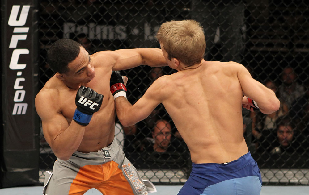 Dillashaw trades with Dodson
